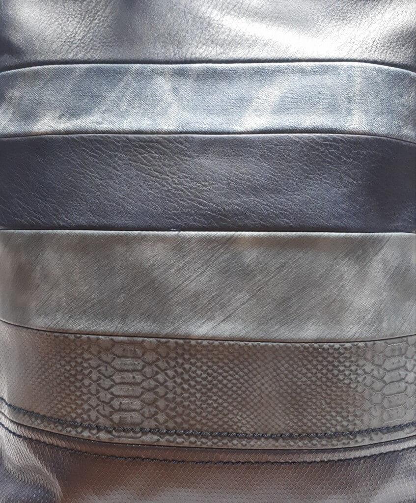 Velká kabelka s pruhovým vzorem Tapple H17138 tmavě modrá detail vzoru