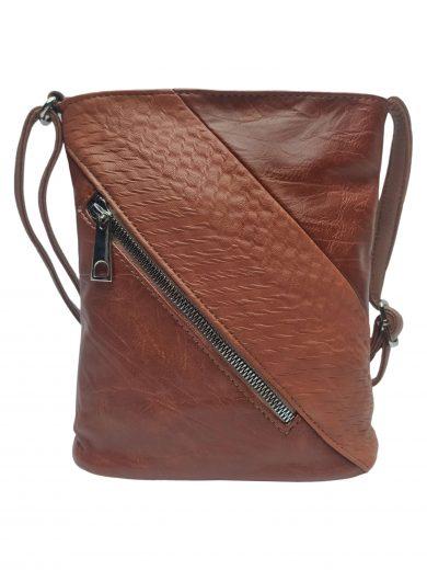 Mini crossbody kabelka se stylovou šikmou kapsou, Tapple, H17448, středně hnědá, přední strana crossbody kabelky