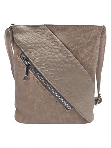 Mini crossbody kabelka se stylovou šikmou kapsou, Tapple, H17448, světle hnědá, přední strana crossbody kabelky